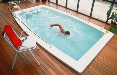plavanje-v-bazenu
