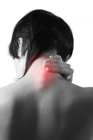 bolecina-v-vratu-hrbtenici-boleca-hrbtenica
